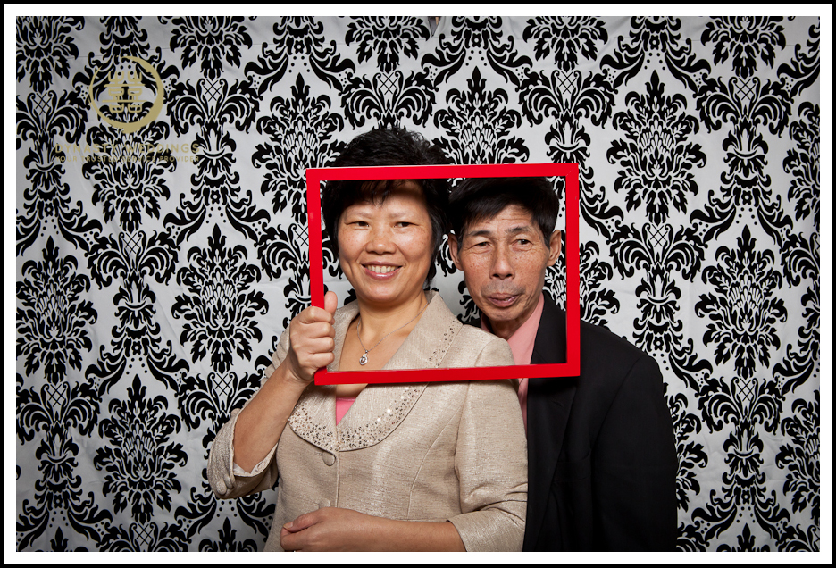 NewYorkCity-Wedding-PhotoBooth-Giandos-On-The-Water-photographer-y (49)