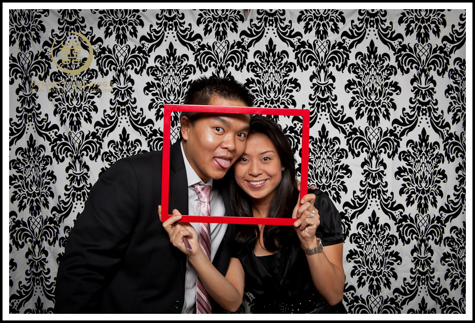 NewYorkCity-Wedding-PhotoBooth-Giandos-On-The-Water-photographer-y (47)