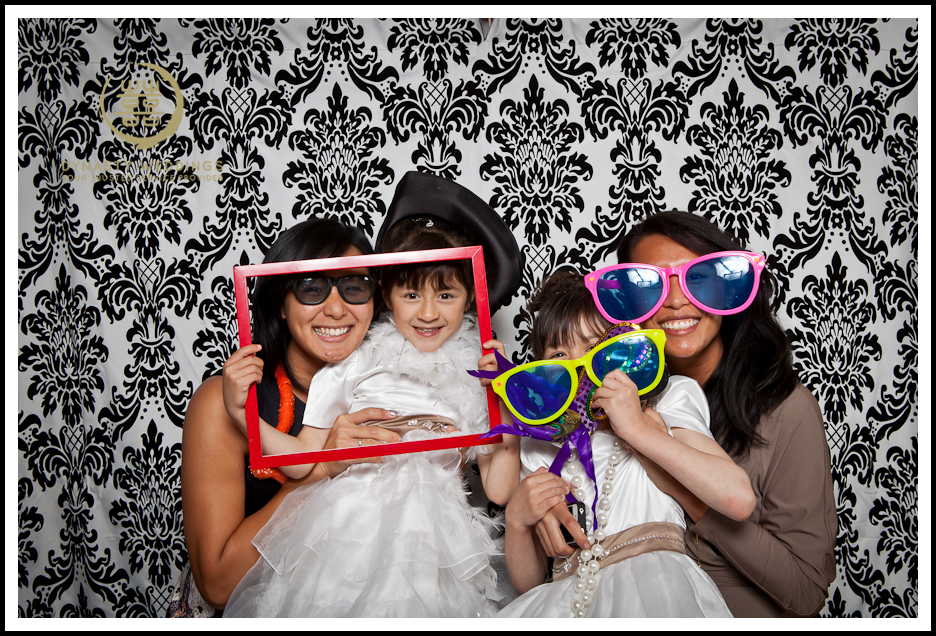 NewYorkCity-Wedding-PhotoBooth-Giandos-On-The-Water-photographer-y (43)