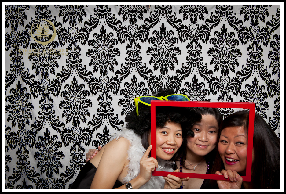 NewYorkCity-Wedding-PhotoBooth-Giandos-On-The-Water-photographer-y (35)