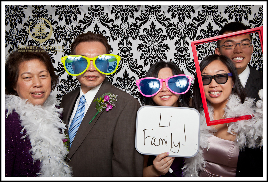 NewYorkCity-Wedding-PhotoBooth-Giandos-On-The-Water-photographer-y (29)