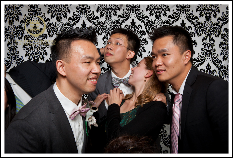 NewYorkCity-Wedding-PhotoBooth-Giandos-On-The-Water-photographer-y (20)