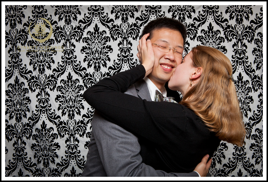 NewYorkCity-Wedding-PhotoBooth-Giandos-On-The-Water-photographer-y (19)
