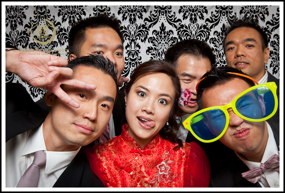 NewYorkCity-Wedding-PhotoBooth-Giandos-On-The-Water-photographer-y (14)