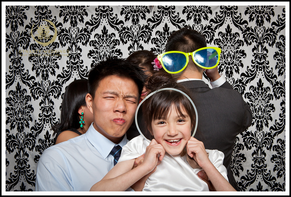 NewYorkCity-Wedding-PhotoBooth-Giandos-On-The-Water-photographer-y (8)