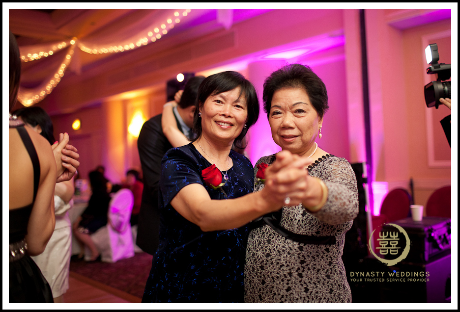 Sheraton-Flushing-Chinese-Banquet-Wedding-Photography (11)